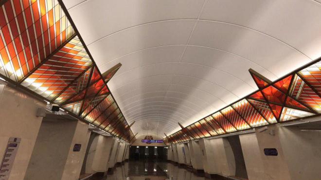"""В четверг 3 октября в Петербурге откроют новые станции метро """"фиолетовой"""" ветки"""