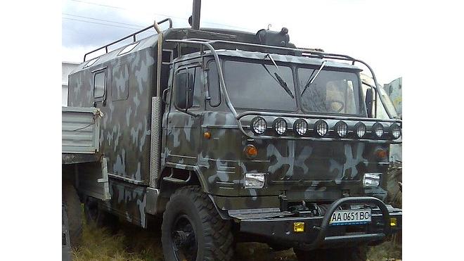 На КАДе ЗИЛ врезался в военный ГАЗ. Один военнослужащий госпитализирован в тяжёлом состоянии