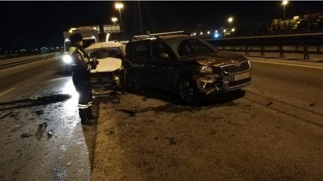 Открывшийся капот стал причиной массового ДТП на Пулковском шоссе