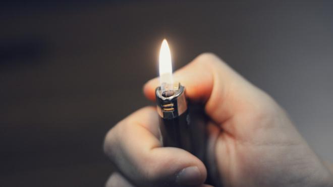 В петербургском ЗакСе задумались об ограниченной продаже газовых зажигалок из-за подростков-токсикоманов