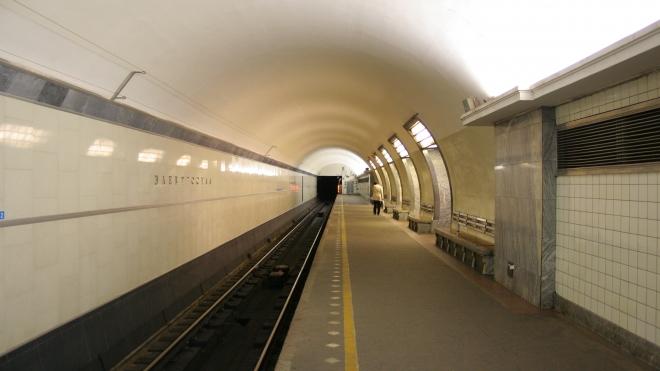 На станции метро «Электросила» пропало электричество