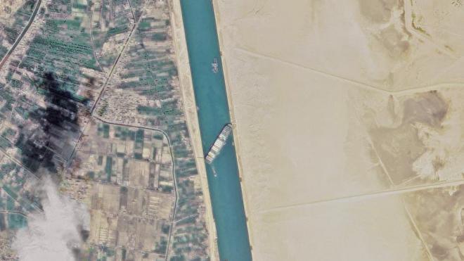 Администрация Суэцкого канала изучает вариант расширения русла