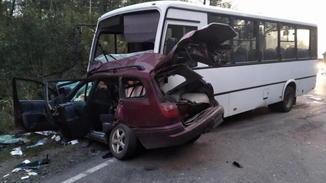 Под Брянском в ДТП с автобусом погибла 36-летняя автоледи