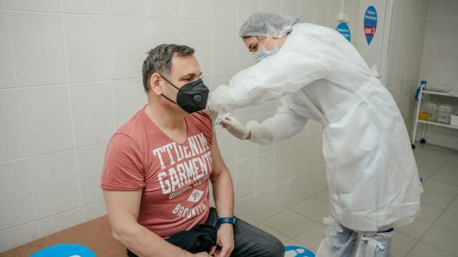 Число пунктов вакцинации от коронавируса в ТЦ увеличили до 8