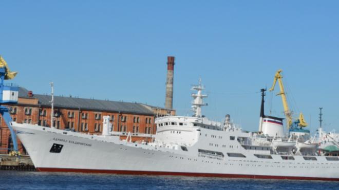 В Петербурге более 250 кораблей и судов примут участие в парадах в честь Дня ВМФ