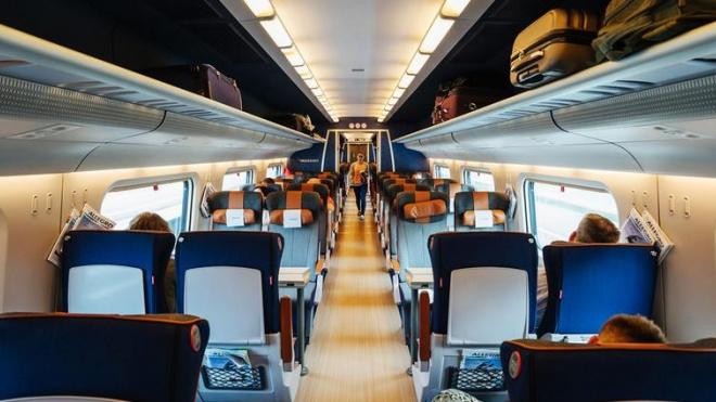 В РЖД рассказали о вещах, которые чаще всего забывают в поездах