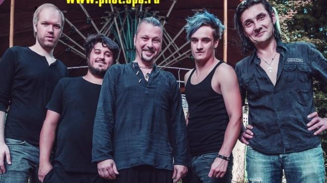 Скоропостижно скончался гитарист группы «Пилот» Виктор Бастраков