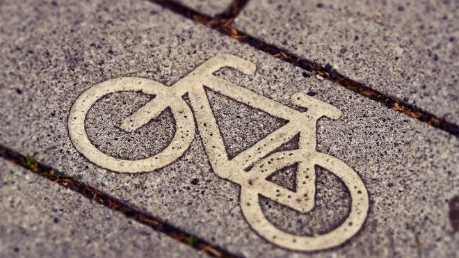 В Выборге водитель ускользнул от полиции, доставив сбитого им велосипедиста в больницу