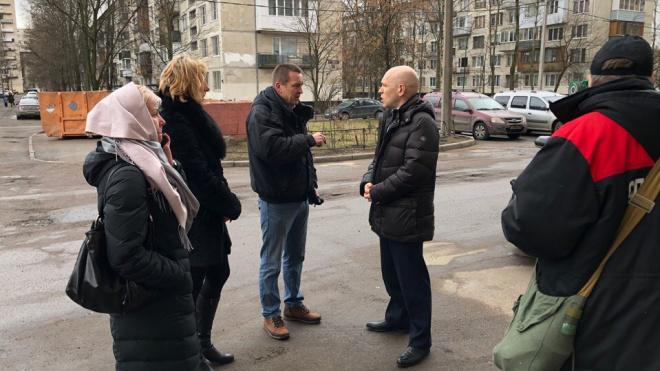 Петербуржцы почувствовали запах газа в Купчине: на место выехал глава местной администрации