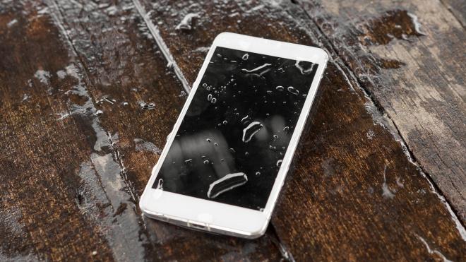В Сургуте в ванной погибла 9-летняя девочка из-за мобильного телефона