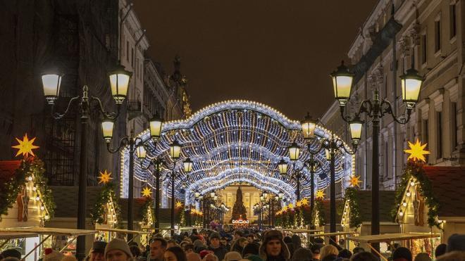 Власти Петербурга объяснили введение ограничительных мер на Новый год