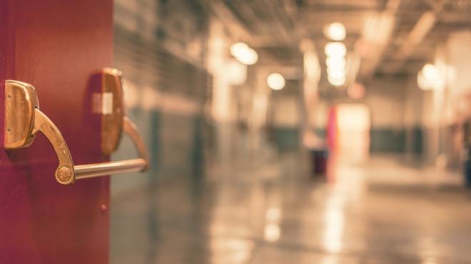 В психиатрической больнице имени Николая Чудотворца нашли труп мужчины