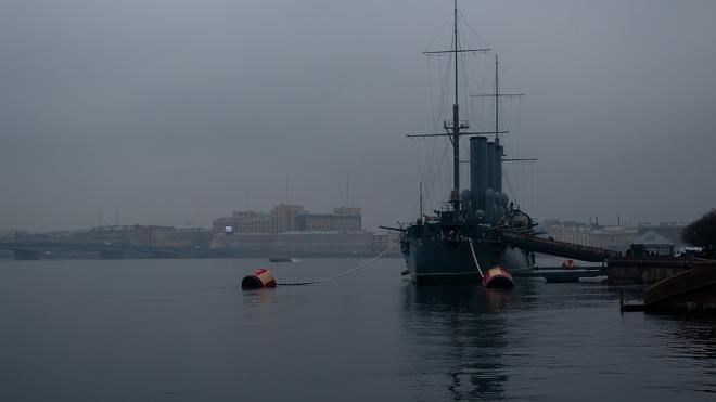 Петербуржцев предупредили о густом тумане утром в четверг