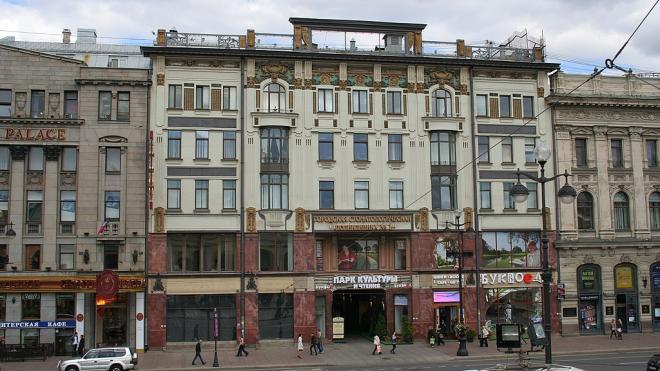 В ходе конфликта на Невском проспекте мужчина получил огнестрельное ранение