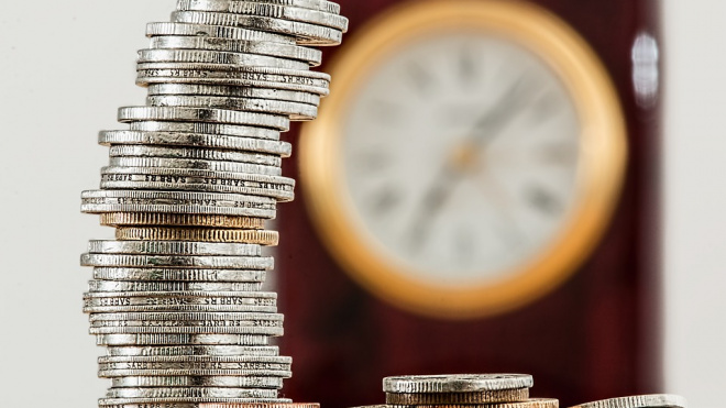 Банк России повысил курсы доллара и евро