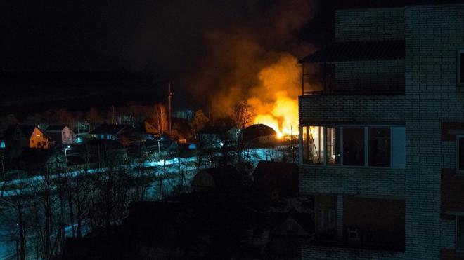 В Шлиссельбурге при пожаре в доме взорвался газовый баллон