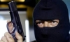 """В Ломоносове грабитель в маске обнес кассу """"Евросети"""" на 100 тысяч и прихватил iPhone продавщицы"""