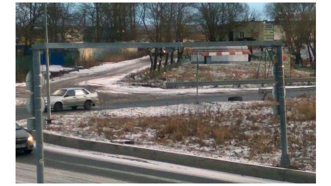 Перед злосчастным мостом на Софийской установили ограничитель высоты
