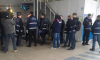 Автосалон на Маршала Блюхера сносят под присмотром полиции и ОМОНа