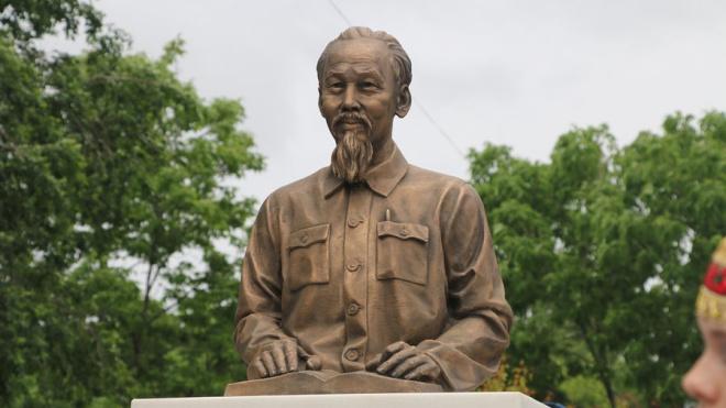 В Северной столице откроют памятник вьетнамскому революционеру Хо Ши Мину