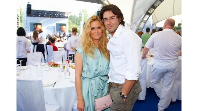 Андрей Малахов и Наталья Шкулева сыграли свадьбу в Париже