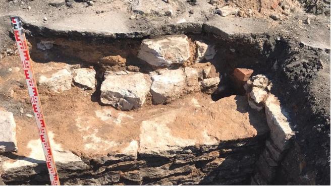 Археологи обнаружили в Ивангороде фундаменты церквей, разрушенных во время войны