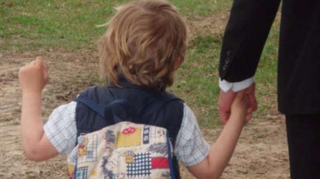 Похитителем ребенка на Варшавской улице в Петербурге оказался его отец