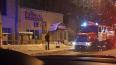 На улице Жукова спасатели вечером тушили нежилое здание