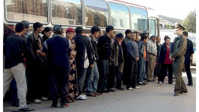 Госдума обязала мигрантов сдавать экзамены
