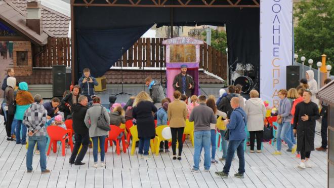 На Васильевском острове открыли единственную бесплатную крышу в Петербурге
