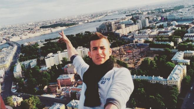 Опасность на грани безумия: самые экстремальные селфи в Петербурге