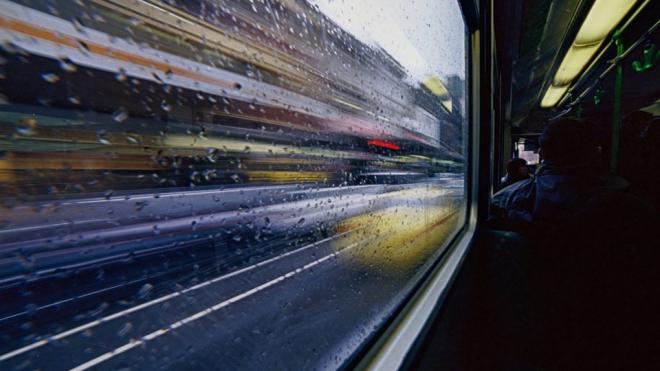 В автобусах Петербурга остановки будут объявлять на английском языке