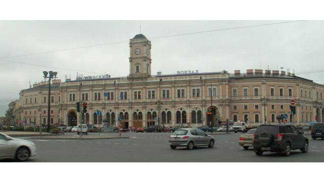 Московский вокзал был закрыт в течение часа из-за работы саперов