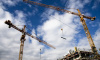 Строительный кран упал на землю в Петроградском районе