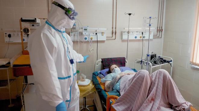 В Петербурге еще одна больница начала прием коронавирусных пациентов