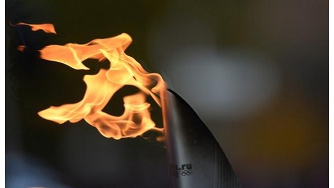 Улыбаемся и машем: Петербург готов принять эстафету олимпийского огня