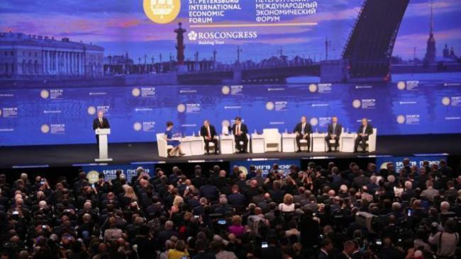 Губернатор Петербурга рассказал Путину о процессе подготовки к ПМЭФ