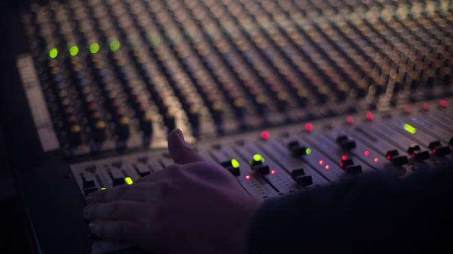 """В Петербурге в Доме Радио воссоздадут студию звукозаписи """"Победа"""""""