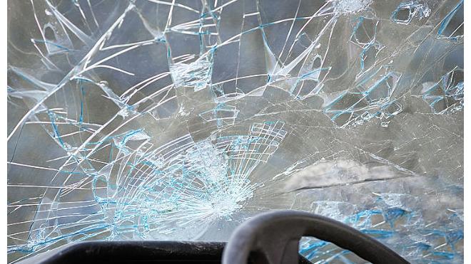В Петербурге задержаны хулиганы, повредившие несколько припаркованных машин