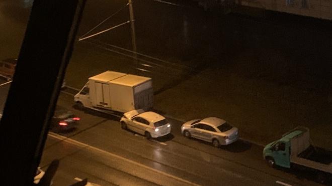 Во Фрунзенском районе BMW влетела в припаркованный грузовик