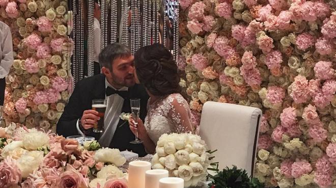 Хоккеист Овечкин женился в День семьи, любви и верности
