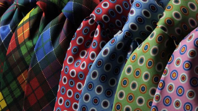 У петербургского парламента выдавали клоунские галстуки для мужчин