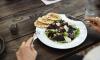 Посещаемость петербургских кафе и ресторанов увеличилась на 40%