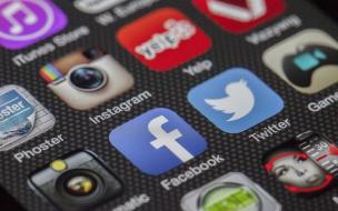 В Госдуме выступили за запрет Facebook рекламной деятельности в России