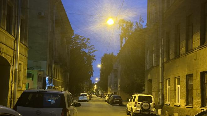 На улице Подрезова обновили наружное освещение