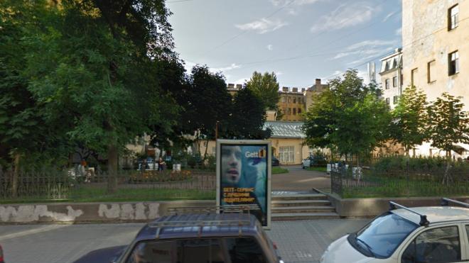 В Петербурге сквер на Загородном проспекте назвали в честь Сергея Довлатова