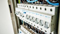 """Сотрудники """"Ленэнерго"""" в январе-феврале зафиксировали 550 случаев хищения электроэнергии"""