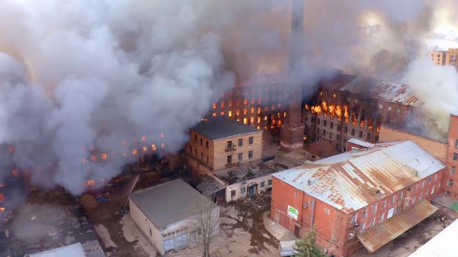 """На месте сгоревшей """"Невской мануфактуры"""" появятся офисы и лофты"""