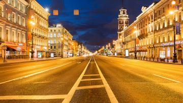 Смольный рассматривает возможность оградить тротуары на Невском проспекте