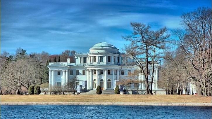 Центральный парк культуры и отдыха имени С. М. Кирова полностью открыли для прогулок